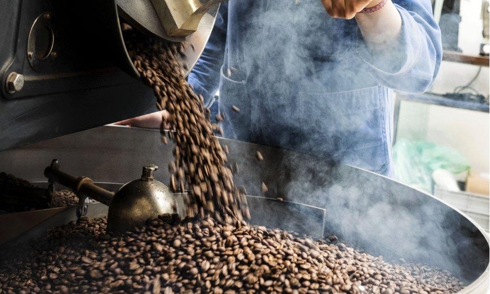 roasting guatemalan coffee
