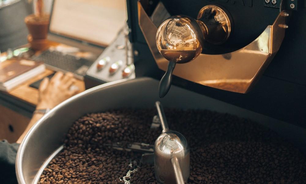 roasting indonesian coffee beans